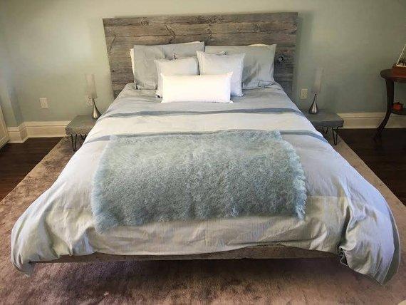 Barn wood - reclaimed wood - bed frame - Woodify