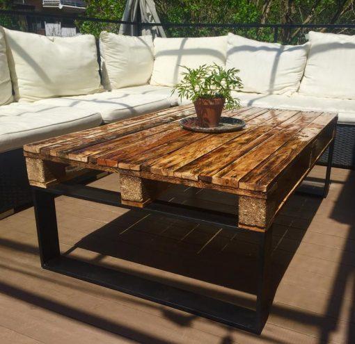 Black Epoxy outdoor Coffee table with black steel legs - Woodify 1