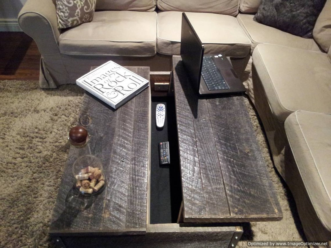 Old Barn Wood Pop Up Coffee Table With Clear Coat