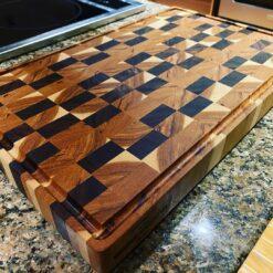 Walnut and Hickory end grain cutting board - Woodify Canada