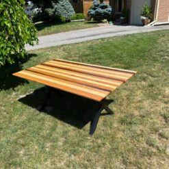 fiverwoods - patio table - Woodify Canada 1